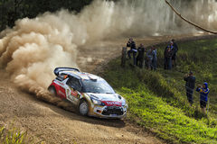 WRC Citroen tournent la terre image stock