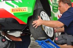 WRC Niemcy 2015 usługa - odmienianie opony - Obraz Royalty Free