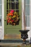Wreath auf Tür Stockfotos