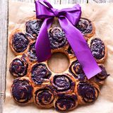 Wreath dessert made of blueberries rolls Royalty Free Stock Images