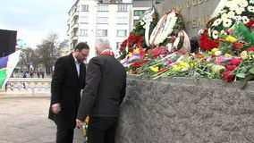 Wreaths from the deputies to the monument to Russian king-winner in the center of Sofia stock video