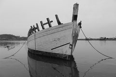 Wreck of a sailboat & x28;Black and white& x29; Stock Images
