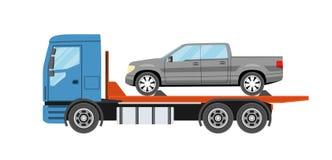 Wreckervrachtwagen met geëvacueerde auto De slepende dienst van de vrachtwagenevacuatie Stock Foto's