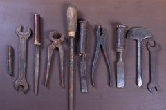 Wrenchs, διάφορα εργαλεία στο υπόβαθρο Στοκ Φωτογραφία