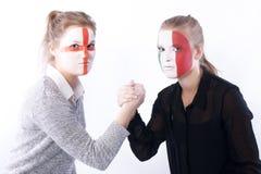 Wrestling de braço dos ventiladores de futebol do futebol Fotos de Stock Royalty Free