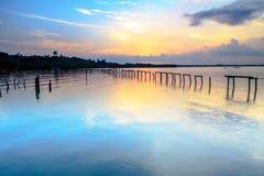 Wrick и красивый восход солнца на Tg Aru приставают к берегу, Labuan Малайзия Стоковые Изображения RF