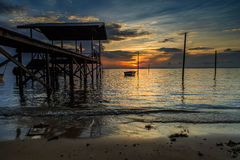 Wrick e la bella alba al Tg Aru tirano, Labuan malaysia Immagini Stock