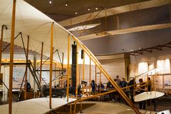 Wright Brothers 1903 ha alimentato l'aletta di filatoio all'aria e allo Spac nazionali Fotografia Stock