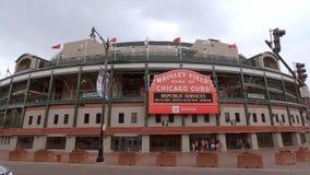 Wrigley-Feld in Chicago - Haus der Chicago Cubs - CHICAGO, USA - 12. JUNI 2019 stock video