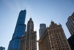 Wrigley-Gebäude und Trumpfkontrollturm Chicago Stockbilder