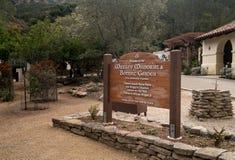 Wrigley minnesmärke och botaniska trädgårdar på Catalina Island fotografering för bildbyråer