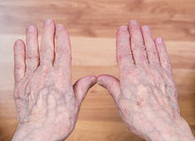 Wrinkled hands. Of a senior person Royalty Free Stock Photos