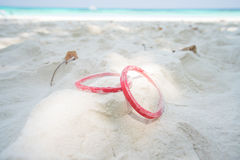 Wristband στην άμμο Στοκ φωτογραφία με δικαίωμα ελεύθερης χρήσης