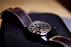 Wristwatch on smartphone Royalty Free Stock Photography