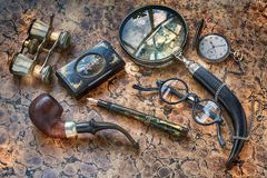 Free Writing Desk, Magnifier, Glasses, Pocket Watch, Pen, Smoking Pipe And Other Vintage Man Accessories Stock Images - 113567064