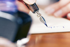 writing för bokstavsförälskelsekvinna Royaltyfri Foto