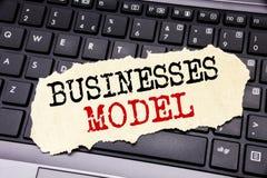 Writing teksta seansu biznesów model Biznesowy pojęcie dla projekta Dla biznesu pisać na kleistym nutowym papierze na czerni keyb Zdjęcia Royalty Free