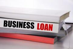 Writing teksta seansu Biznesowa pożyczka Biznesowy pojęcie dla Pożyczać finanse kredyt pisać na książce na białym tle zdjęcia stock