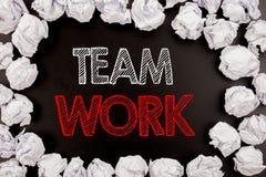 Writing teksta seansu drużyny praca Biznesowy pojęcie dla praca zespołowa sukcesu motywaci pisać na czarnym tle z kopii przestrze Zdjęcie Stock