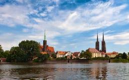Wroclav, cattedrale di Katedra veduta dal fiume Oder Fotografia Stock Libera da Diritti