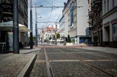Wroclaw, Польша, 10-ое сентября 2017: старая часть города, трамвая, магазинов, солнечного дня стоковое изображение