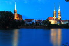 Wroclaw. The Wroclaw scenery in night - Wroclav Cathedral and church on the Tumski island, Poland Stock Photo
