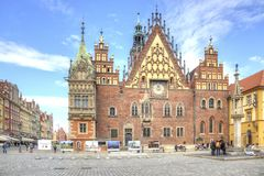 wroclaw Den forntida stadshusbyggnaden Arkivbild