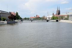 Wroclaw och Odra flod Royaltyfria Bilder