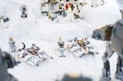 Wroclaw, POLÔNIA - 25 de janeiro de 2014: Batalha de Star Wars de Hoth, feita por blocos de Lego Imagens de Stock