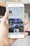wroclaw POLÔNIA 20, em outubro de 2016: Conta do Instagram de Hillary Clinton mostrada em Iphone 6 positivo, Fotografia de Stock