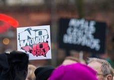 Wroclaw Polen, 2017 08 03 - kvinnors protest Arkivbild