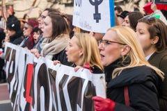 Wroclaw Polen, 2017 08 03 - kvinnors protest Arkivfoto