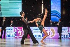 Wroclaw Polen - Maj 14, 2016: En latinsk dans för oidentifierad danspardans under internationalen för federation för världsdanssp Arkivbild
