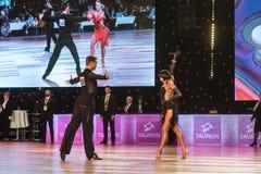 Wroclaw, Polen - Mei 14, 2016: Een niet geïdentificeerde danspaar het dansen Latijnse dans tijdens Internationale de Sportfederat Royalty-vrije Stock Afbeelding