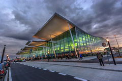 WROCLAW POLEN ny flygplatstermina Arkivfoto