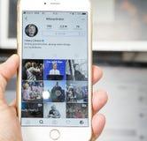 wroclaw POLEN 20, Oktober, 2016: De rekening van Instagram van Hillary Clinton op Iphone 6 die wordt getoond plus, Stock Afbeelding