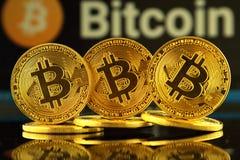 WROCLAW, POLEN - OKTOBER 14, 2017: Hoge rente in bitcoin, nieuw virtueel geld Conceptueel beeld voor cryptocurrency wereldwijd en Royalty-vrije Stock Foto