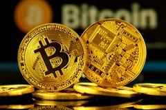 WROCLAW, POLEN - OKTOBER 14, 2017: Hoge rente in bitcoin, nieuw virtueel geld Conceptueel beeld voor cryptocurrency wereldwijd en Royalty-vrije Stock Afbeeldingen