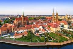 Wroclaw, Polen Ostrow Tumski met gotische kathedraal en kerk royalty-vrije stock foto