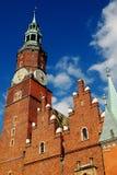 Wroclaw Polen: Stadshus Arkivbilder
