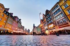 Wroclaw, Pologne. La place du marché à la soirée image libre de droits