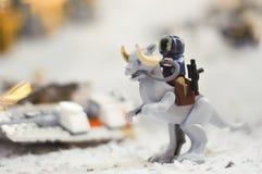 Wroclaw, POLONIA - 25 de enero de 2014: Batalla de Star Wars de Hoth, hecha por los bloques de Lego Foto de archivo libre de regalías