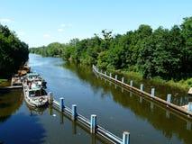 WROCLAW, SILESIË, Polen-Schip in het Varende Kanaal van Bartoszowice stock afbeeldingen