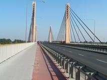 WROCLAW, SILESI?, POLEN - een mooie Milenijny-brug in Wroclaw stock fotografie