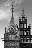 Wroclaw stadshus på marknadsfyrkanten mot ljus sommarhimmel Historisk huvudstad av Silesia Polen, Europa Loppsemesterconcep arkivbilder