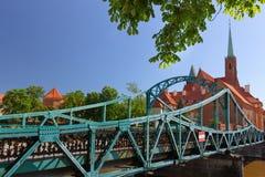 wroclaw Tumskibrug, Voetgangersbrug aan het oudste district van de stad stock afbeelding
