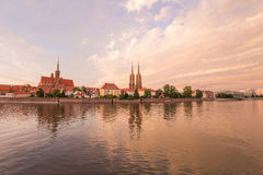 wroclaw Vue du coucher du soleil sur la rivière images stock