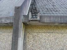 Wrotten spawał wietrzejącą betonową architekturę Obrazy Royalty Free