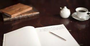 Wrting ein Buch stockfoto
