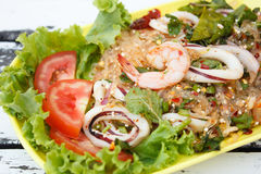 Würzige Garnele mit Kalmar-Salat Stockfotografie